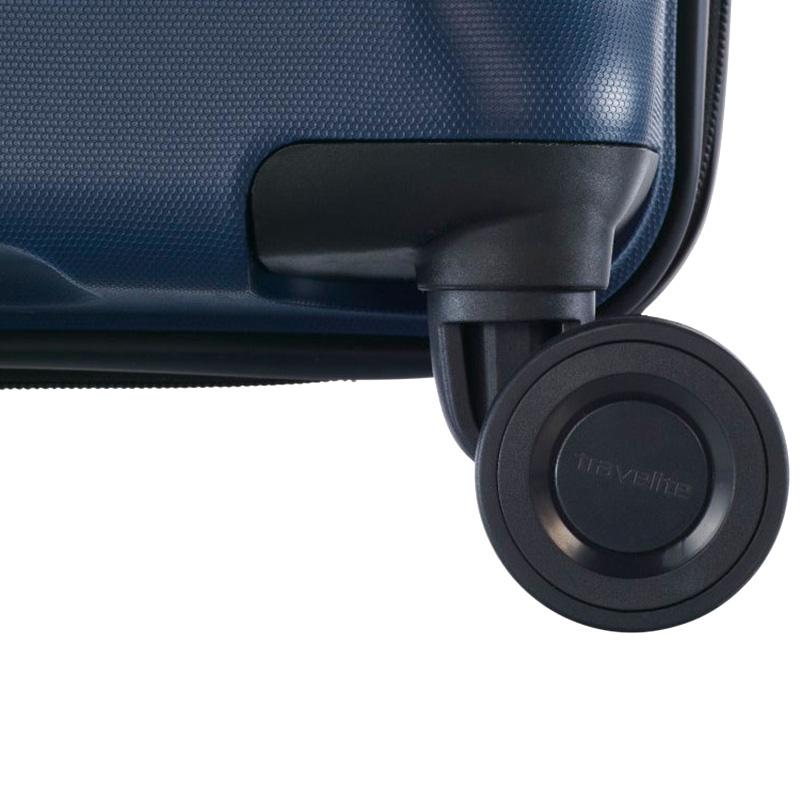 Темно-синий чемодан 45x67x27-31см Travelite Kosmos на колесах