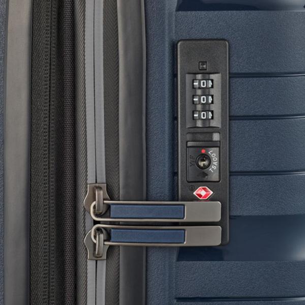 Темно-синий чемодан 45x67x27см Travelite Motion на колесах