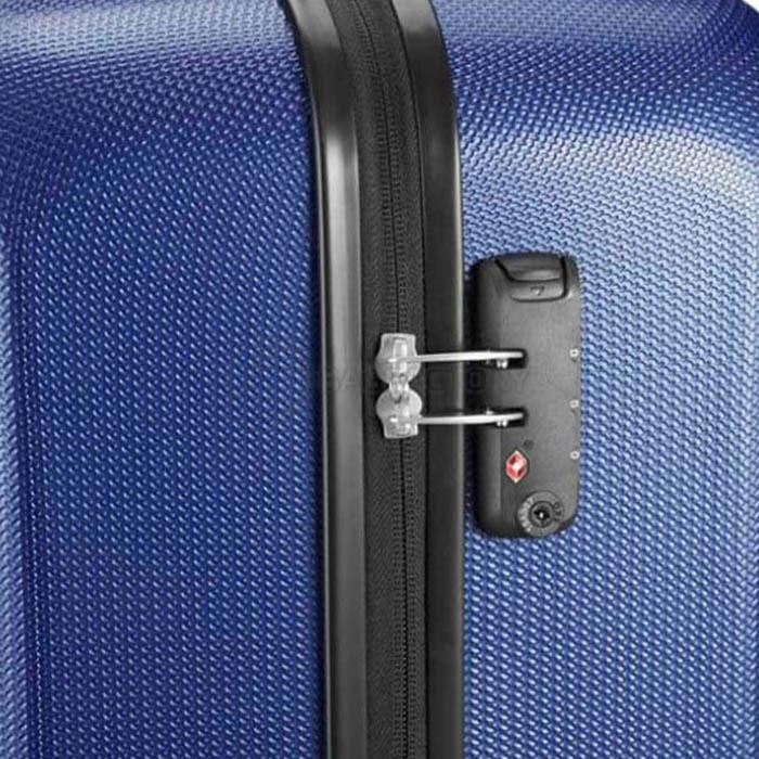 Маленький чемодан 38x55x20см Travelite Yamba 8w синего цвета