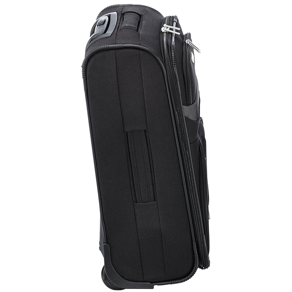 Маленький черный чемодан 53x37х20см Travelite Orlando выполнен из текстиля
