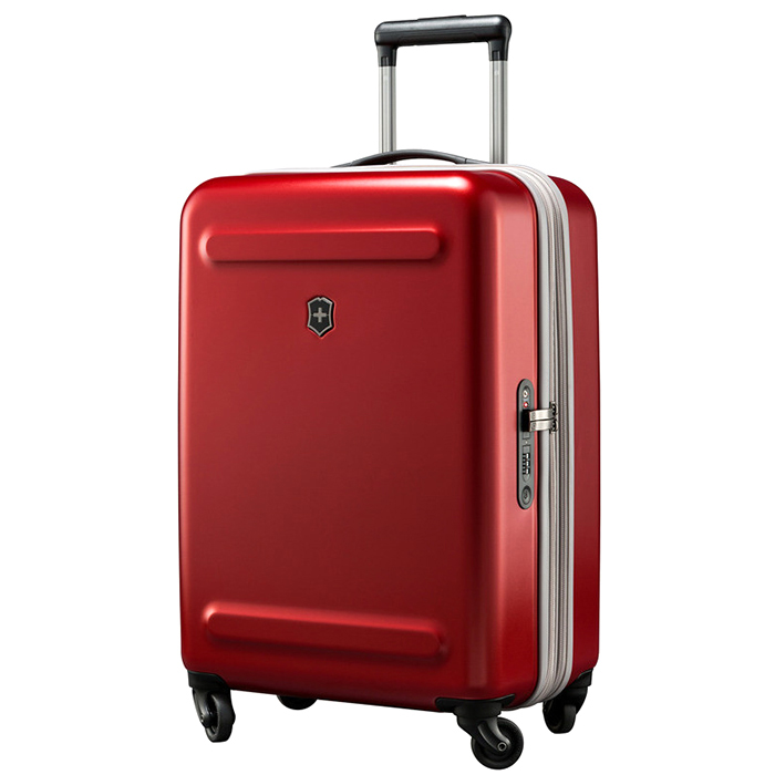 Красный чемодан 60х40х25-28см Victorinox Etherius размера ручной клади