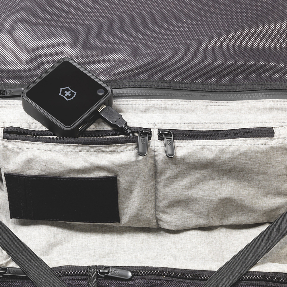 Серый чемодан 55х40х20см Victorinox Lexicon размера ручной клади