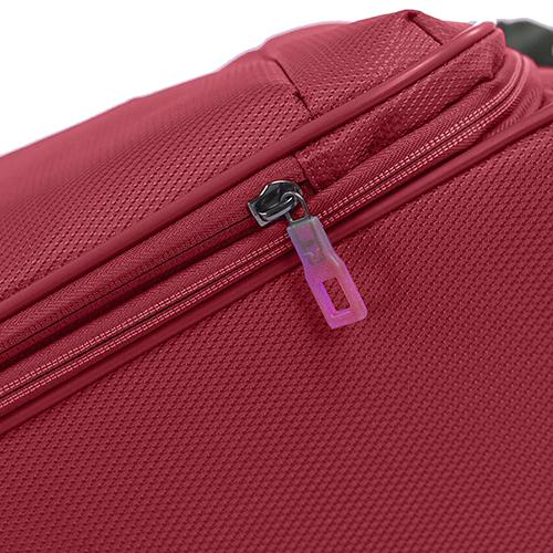 Красный чемодан среднего размера 67x44x27-31см Roncato Ironik с 4х колесной системой, фото