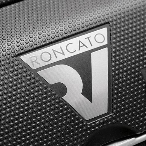 Черный маленький чемодан на молнии 55х40х20см Roncato Box с телескопической ручкой, фото