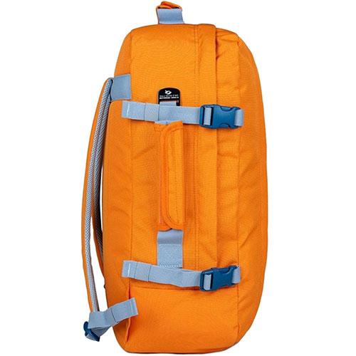 Сумка-рюкзак CabinZero в оранжевом цвете, фото
