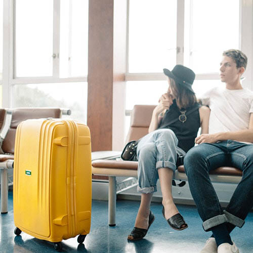 Большой чемодан 49х71х29,2см Lojel Streamline на колесиках желтого цвета, фото