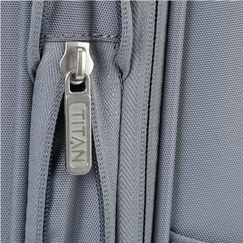 Серый чемодан 42x65x30-34см Titan Spotlight Soft с цветными вставками, фото