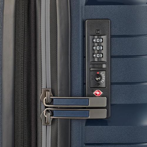Темно-синий чемодан 45x67x27см Travelite Motion на колесах, фото