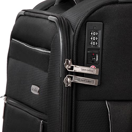 Маленький черный чемодан 55x38х20см Travelite Capri с удвоенными колесами, фото
