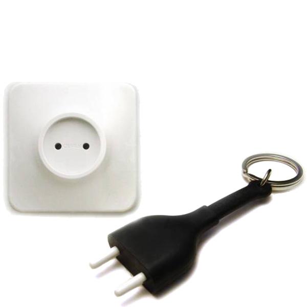 Настенная ключница с брелком Qualy Unplug