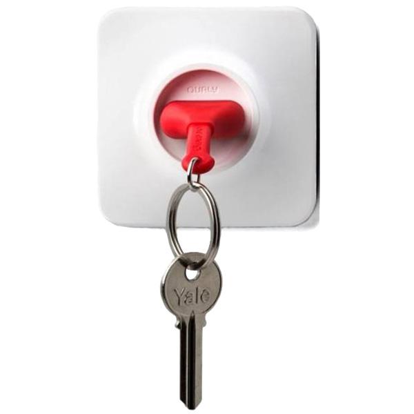 Ключница с брелком красного цвета Qualy Unplug