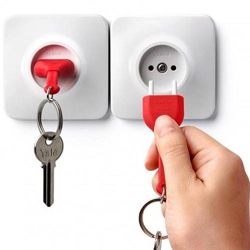 Ключница с брелком красного цвета Qualy Unplug , фото