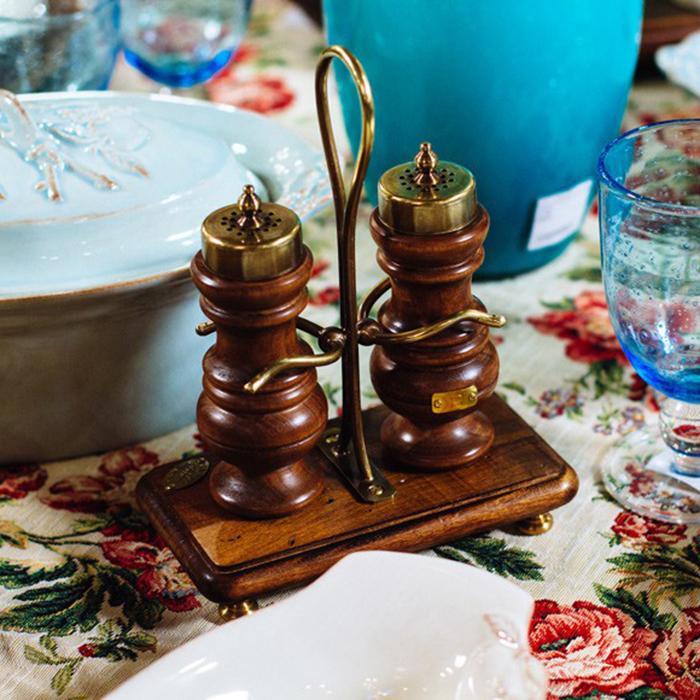Набор для соли и перца Capanni с металлическим декором