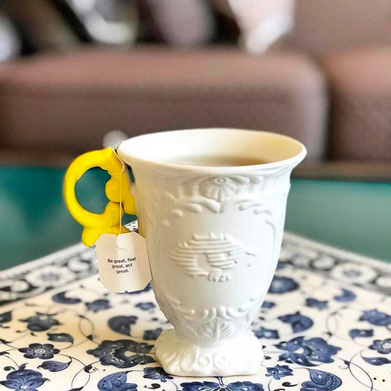 Кружка Seletti I-Mug с желтой ручкой