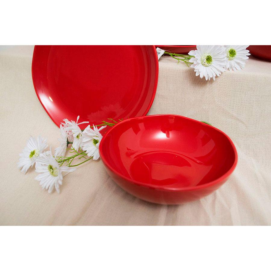 Керамический салатник Comtesse Milano Ritmo красного цвета