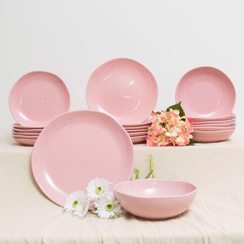 Розовое блюдо Comtesse Milano Ritmo из керамики
