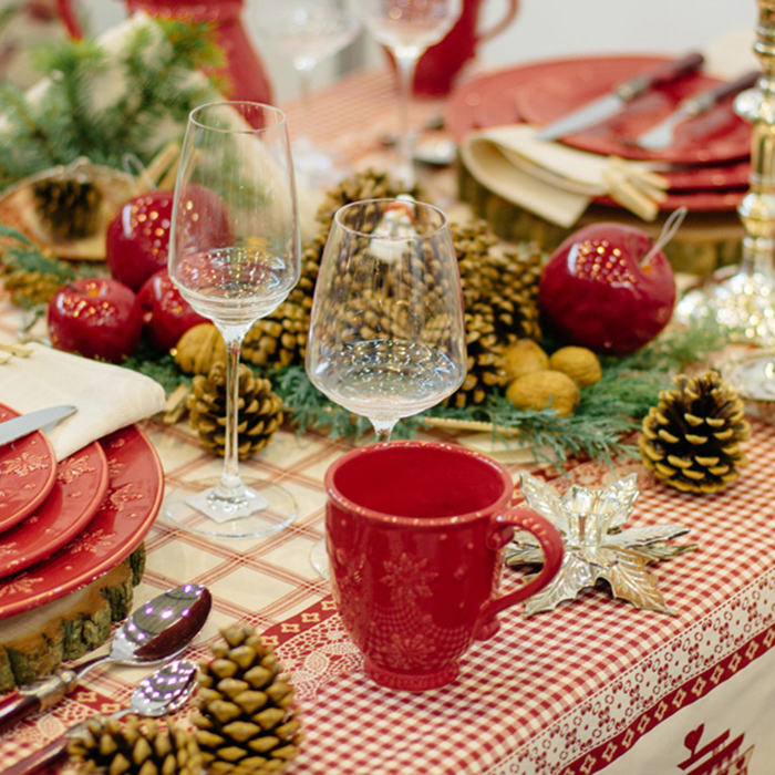 Чашка красного цвета Bordallo Pinheiro Снежинки