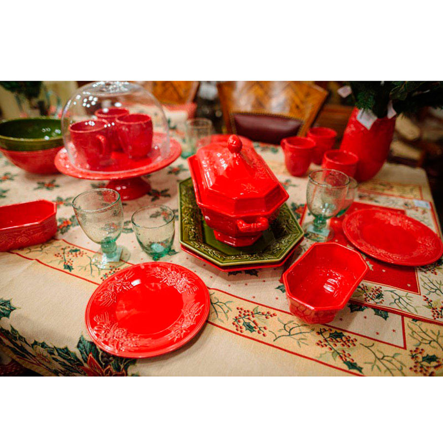Набор подставных тарелок красного цвета Bordallo Pinheiro Зима на 6 персон 34,7см