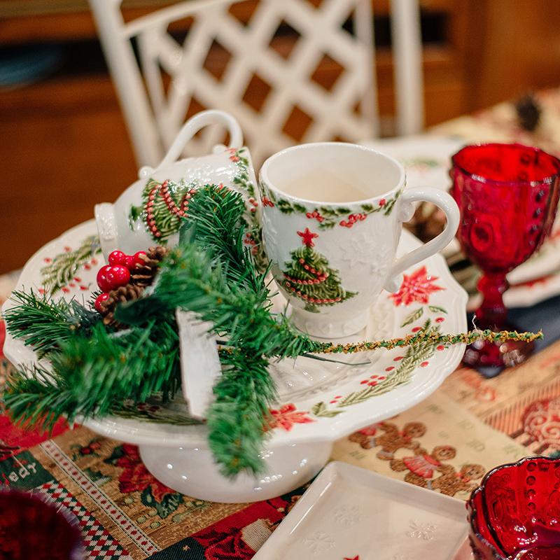 Белая чашка Bordallo Pinheiro Рождество