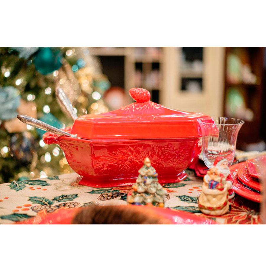 Супница с крышкой Bordallo Pinheiro Зима красного цвета 3,5л