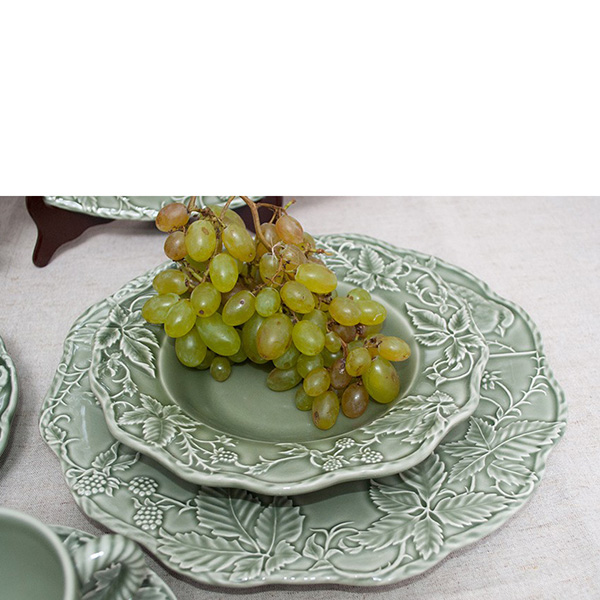 Зеленая подставная тарелка Bordallo Pinheiro Артишок и птица