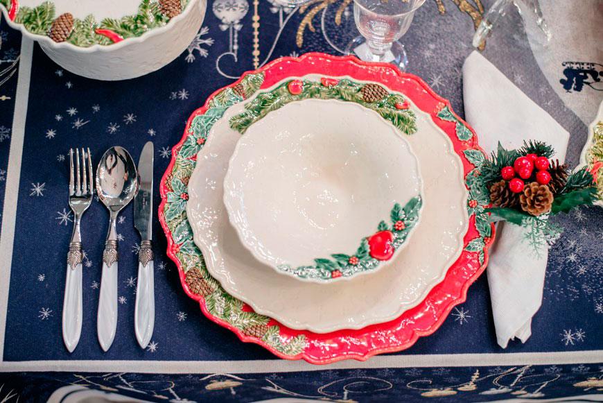 Салатник белого цвета Bordallo Pinheiro Рождественская гирлянда