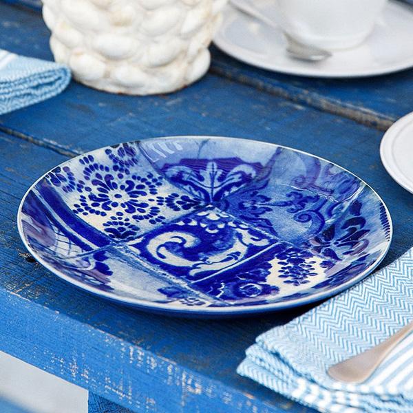 Тарелка синяя с узором Costa Nova Lisboa