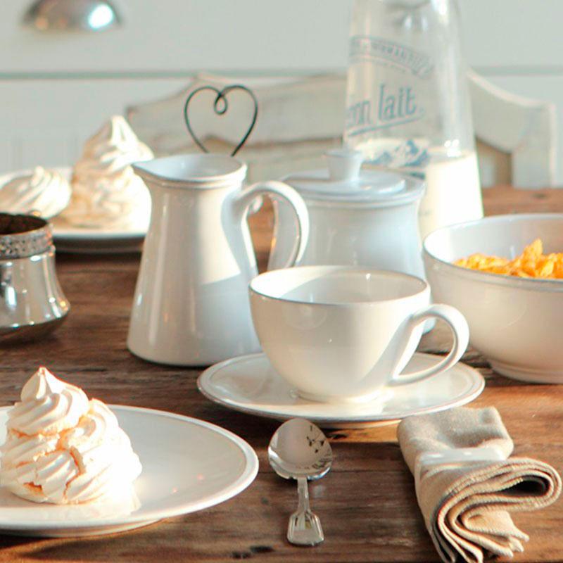 Чашка с блюдцем Costa Nova Friso белого цвета с каемкой