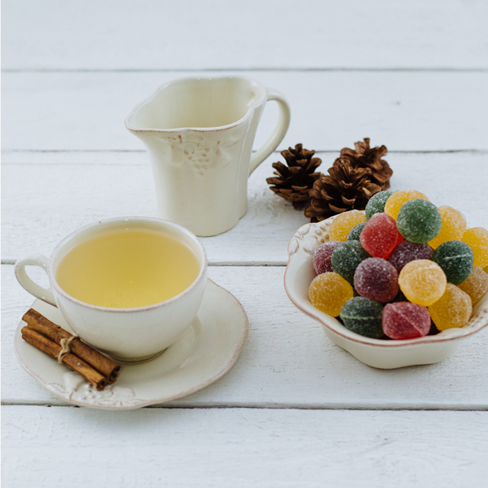 Чайная чашка с блюдцем Costa Nova Mediterranea бежевого цвета 250мл
