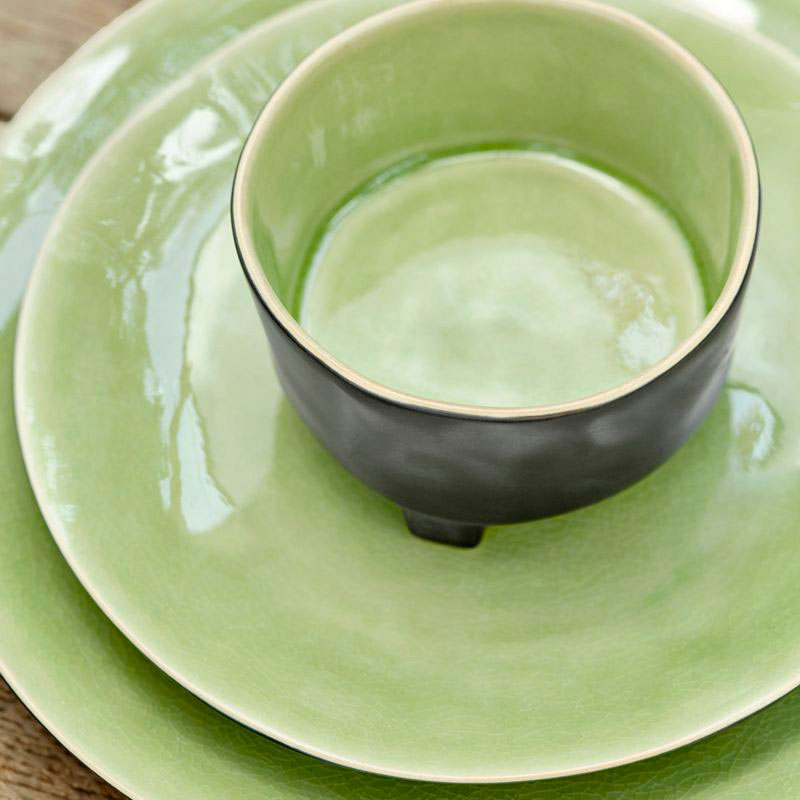 Тарелка для супа на ножках Costa Nova Riviera черная с зеленым