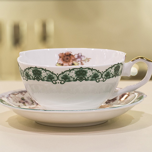 Кофейная чашка с блюдцем Seletti Hybrid Isidora, фото