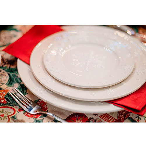Тарелка белого цвета Bordallo Pinheiro Снежинки 28см, фото