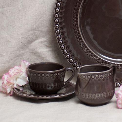 Чайная чашка с блюдцем Bordallo Pinheiro Фантазия коричневого цвета, фото