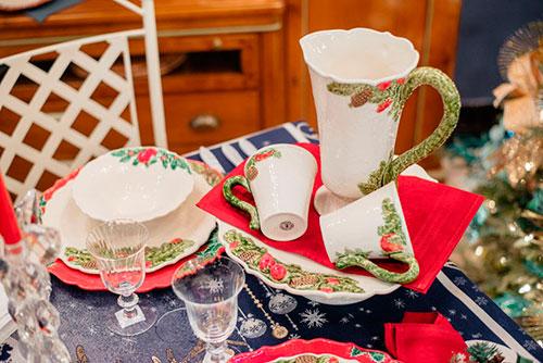 Кувшин из керамики белого цвета Bordallo Pinheiro Рождественская гирлянда 1,75л, фото