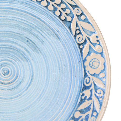 Набор из двух тарелок Manna Ceramics голубого цвета с ручной росписью белой глазурью 21 см, фото