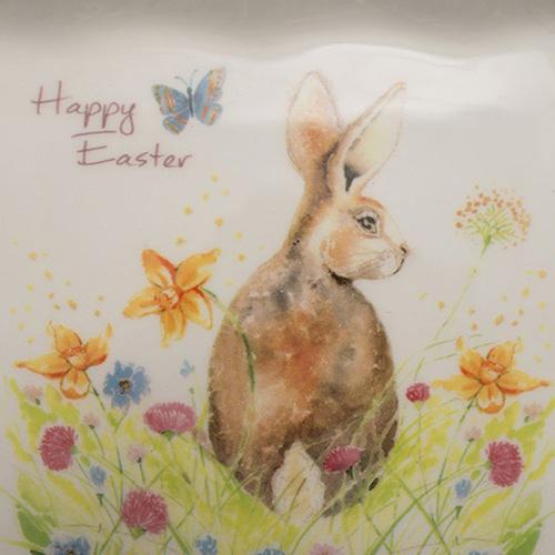 Квадратная тарелка Ceramica Cuore Кролик на лужайке  , фото