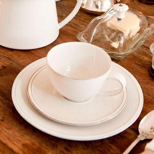 Чашка с блюдцем Costa Nova Friso белого цвета с каемкой, фото