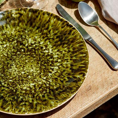 Темно-зеленая керамическая тарелка Costa Nova Riviera, фото