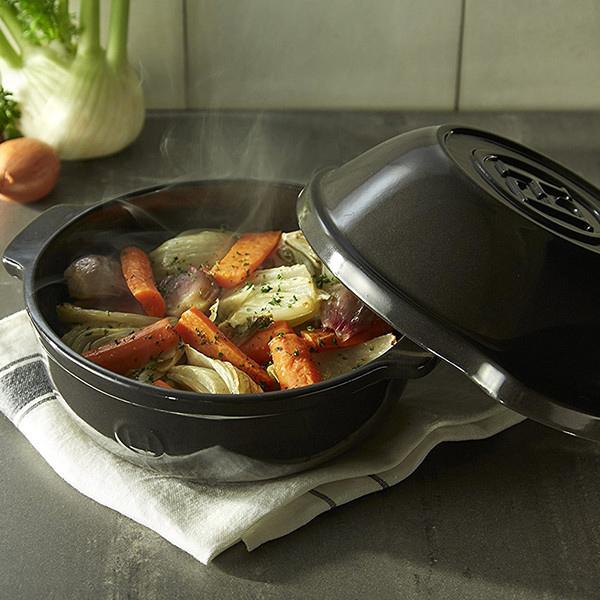 Горшочек для овощей Emile Henry Cookware черного цвета