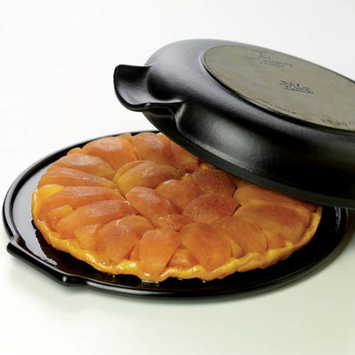 Форма керамическая Emile Henry Flame Noir 30 см для Tarte Tatin с сервировочным блюдом, фото